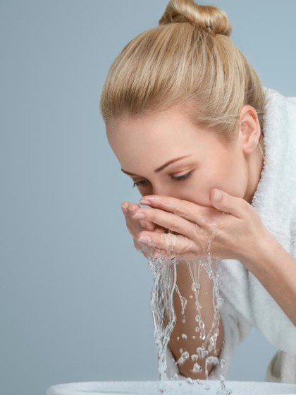 Kulit Kesat Setelah Cuci Muka Tanda Wajah Sudah Bersih? Ini Faktanya